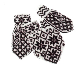 """Norwegian Selbu """"Love Mittens"""" - designed so you can hold hands inside a shared mitten while still keeping all your fingers warm. http://www.fjorn.com/f002019.html#"""