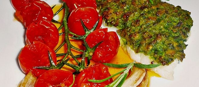 Vis In Kruidenkorst Met Mediterrane Tomaten recept | Smulweb.nl