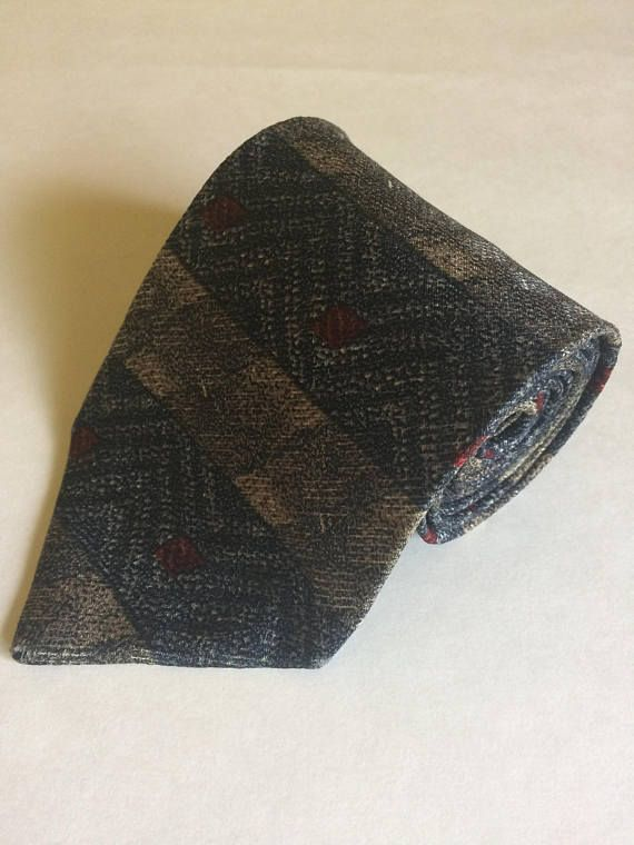Vintage Pierre Cardin Wide Chevron and Diamond Necktie Gold