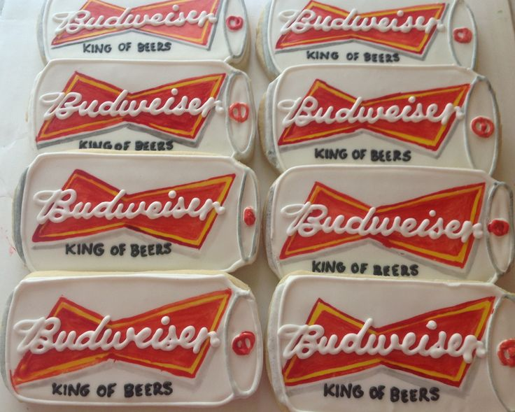 budweiser can cookies! What a fun gift for the beer drinker in your familY!
