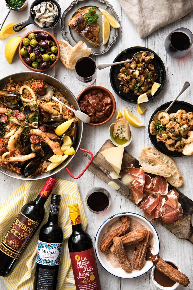 Spanish Feast - A multi course feast, easy Spanish dinner menu to make in your…