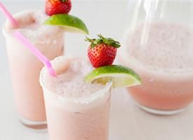 Strawberry-Coconut Coladaritas Not only are these margaritas gorgeous ...
