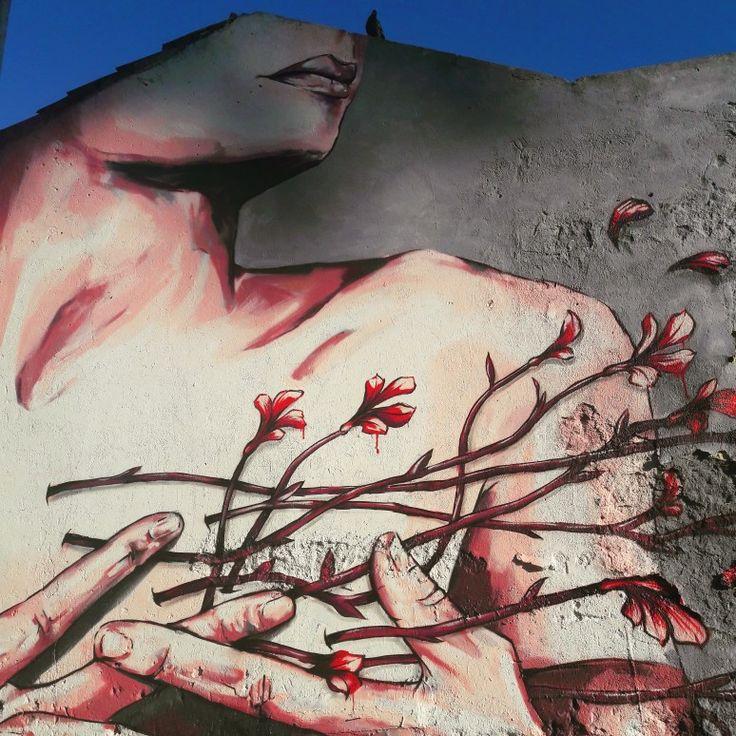 A Handful of Flowers. ♡ #handful #flowers #streetart #lisbonstreetart #mural #art #artmural #lisbon #lisbontailoredtours #lisbonwithpats