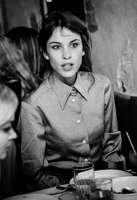 Alexa Chung - makeup and hair
