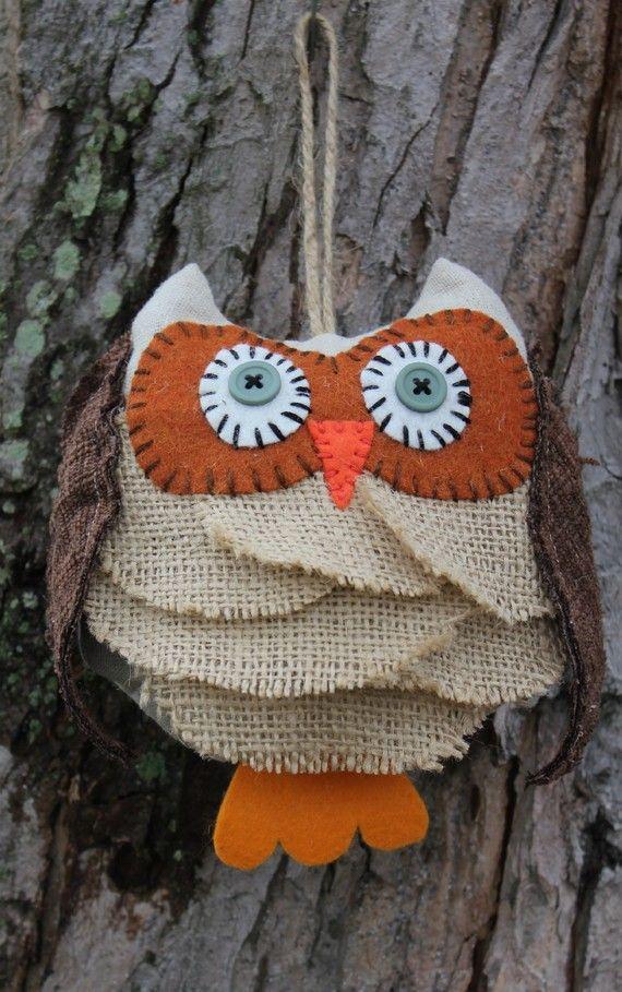 Cute little burlap owl: Burlap Owl Ornaments, Owl Doors Hangers, Ornaments Rustic, Rustic Birds, Burlap Christmas, Cute Owl, Burlap Owl Crafts, Burlap Owl Wreaths, Felt Owl