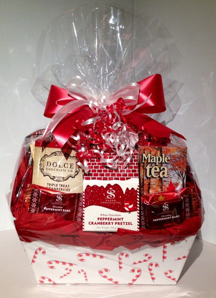 Candy Cane Gift Basket by Dream Weaver