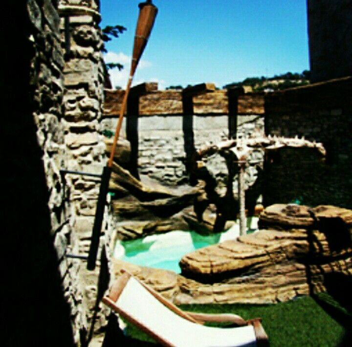 #spa#construcciondespa#diseñospa#fbricaciondespa#spabarcelona#spagirona#spatarragona#spadepiedra#cascadasroca#cascadas#piedrasrtificial#tematizacion#barcelona#badalona#overstone#overdtone57#obrayreformas#casasrurales#