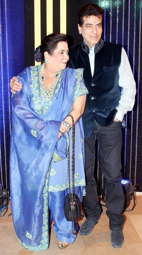 Shobha Kapoor with Jeetendra at Rakesh Roshan's birthday bash. #Bollywood #Fashion #Style