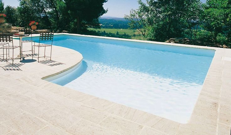 Piscine rectangle avec plage et liner blanc piscine for Spot piscine desjoyaux