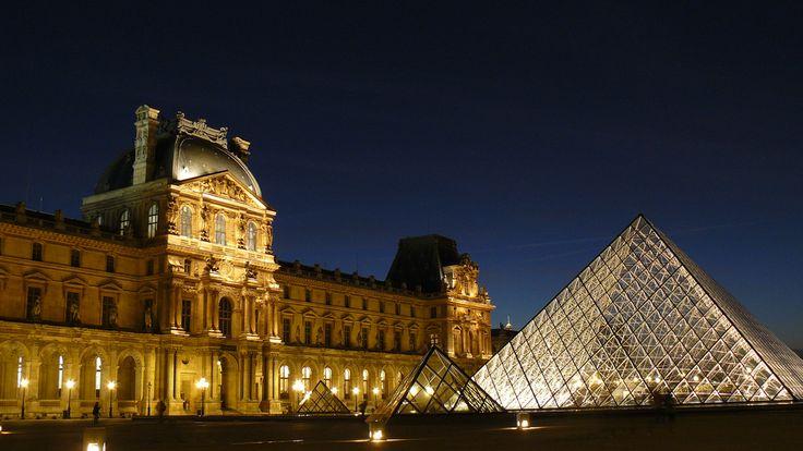 O Museu do Louvre conta com nova iluminação