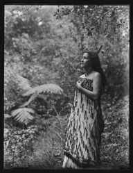 'Girl (Maori) Pipiriki, Wanganui' 1901-1909