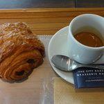 チョコレートクロワッサンとコーヒーの店ザ・シティ・ベーカリー @品川