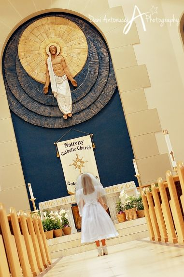First Communion    Dani Antonucci Photography...take a photo like this.