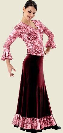 Falda para ensayo con talle bajo y amplia capa con generoso vuelo. Está rematada con un volante en tela estampada con motivos florales en tonos burdeos. Diseño vistoso y práctico, ideal para la práctica del baile flamenco en clase o en el escenario.