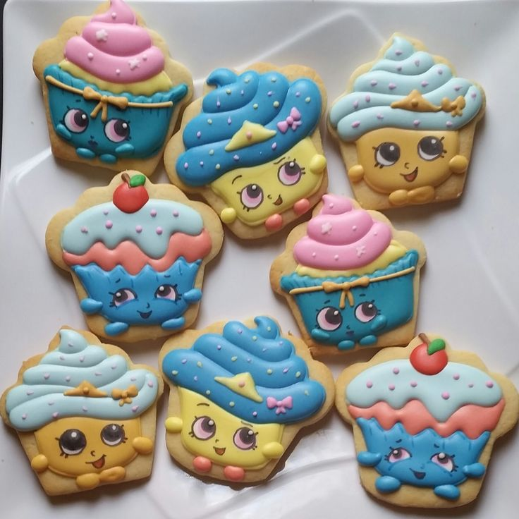 homemade fancy cookies and chocolate for your occassion: Shopkins cookies