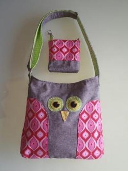 Conjunto de bolso buho y monedero para niña.