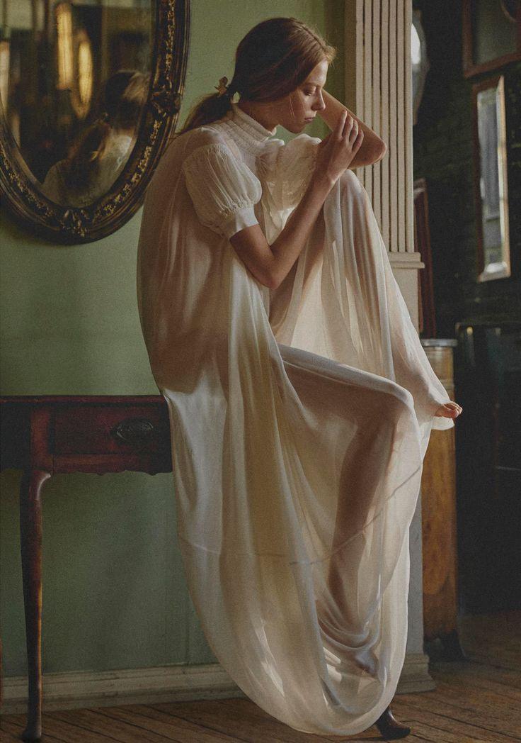"""Blithe Spirit"" Lexi Boling von Sebastian Sabal-Bruce für das Porter Magazine Summer 2018"