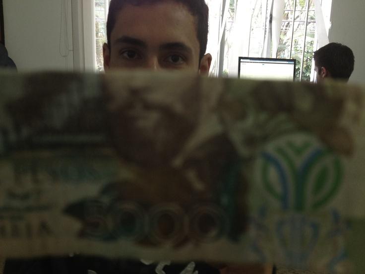5000 pesos duvan monsa.