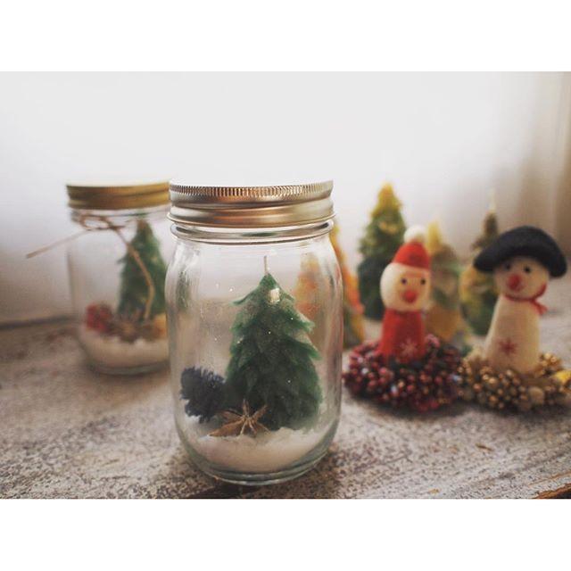 【candle_studio_shinsaibashi】さんのInstagramをピンしています。 《. ///11・12月おすすめレッスン//// 冬のテラリウムキャンドル Xmas限定レッスン💝 . . パッチワークツリーをお好きな色と香りで制作できます💫 季節の木ノ実とともにボトルの中に閉じ込めて、オリジナルのテラリウムキャンドルで素敵なクリスマスを過ごしませんか🎄🎁 ¥3500(香り付き)💕 . #candle #キャンドル #candlestudio代官山 #candlestudio代官山心斎橋校 #キャンドルスタジオ代官山 #キャンドルスタジオ代官山心斎橋校 #クリスマス #冬 #テラリウム #パッチワーク #ツリー #アロマ #アロマキャンドル #aroma #キャンドル教室 #手作り #handmade #ハンドメイド #関西 #大阪 #心斎橋 #南船場 #wedding #ウェディング #プレ花嫁》