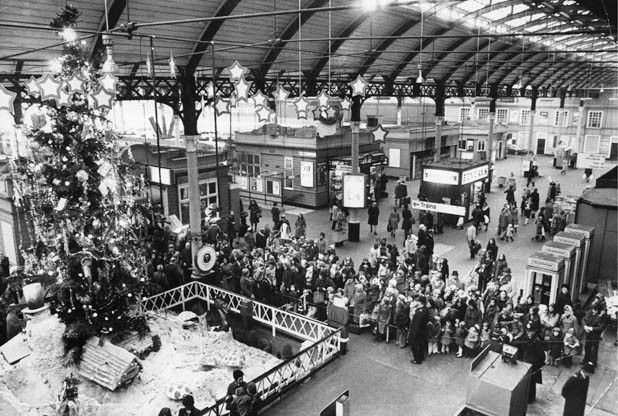 Mike Covell looks at Christmas traditions that were once popular in Hull, but are now largely forgotten. Christmas is a time of traditions, from the annual panto to pulling a cracker at Christmas...