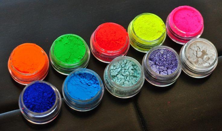 Hello, brightness!  MYO Makeup 10 Piece Ultra Bright Eyeshadow Pigment Collection #makeup #eyeshadow #pigments