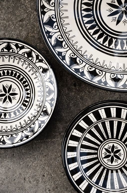 Moroccan black + white dishes by catrulz