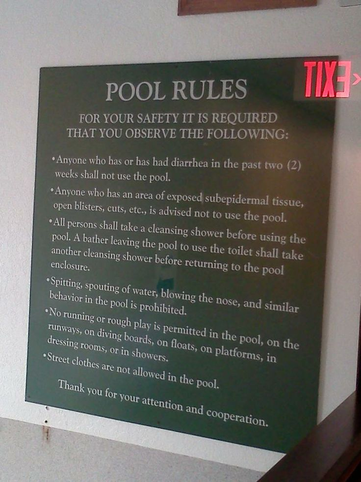 pool rules posted on a valpo hotel pool area | Letreros ...