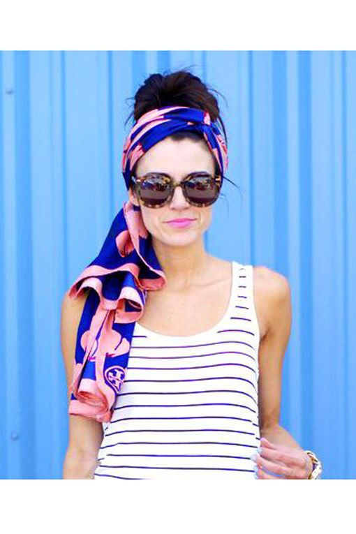 Like this Tory Burch hair scarf                                                                                                                                                     Mehr