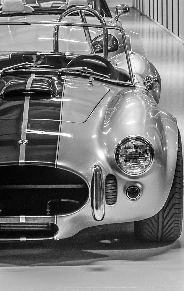 Pin By Leigh Thebus On Fond Ecran Voiture Ac Cobra Classic Cars Shelby Cobra