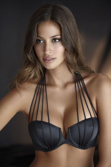 pretty bra. Straps can now be seen!