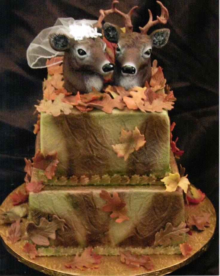 deer head bride and groom cake camo wedding cake
