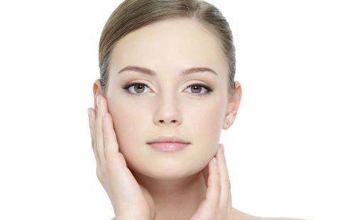 http://www.gezondheidsnet.nl/tips-voor-een-mooiere-huid Tips voor een mooiere huid Is een gezonde en mooie huid voor jou niet vanzelfsprekend? Hier vind je tips tegen huidaandoeningen (acne, eczeem) en leer je hoe je huidveroudering tegengaat.
