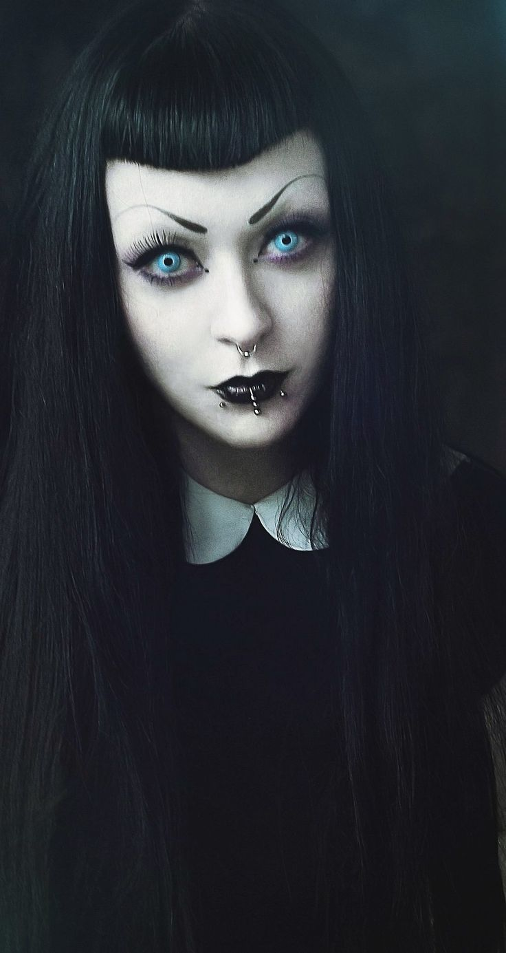 A creepier Wednesday Addams look with a #Goth girl feel