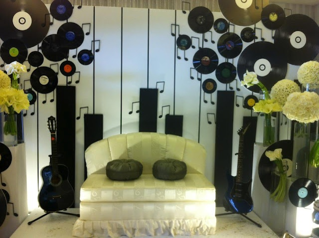 Easy to make backdrop for music themed party