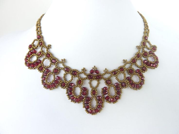 http://beaddiagrams.com/ I love this pattern! FREE beading pattern: Crystal Rounds