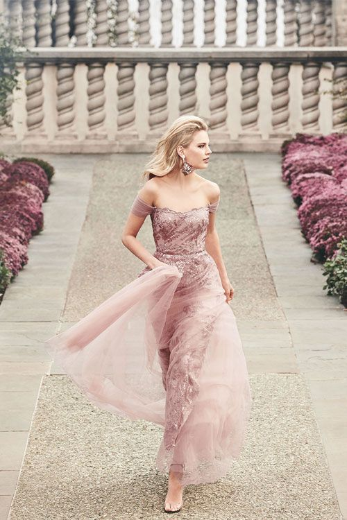 e447fdacd12e 6 Most gorgeous evening gowns and cocktail dresses for Spring