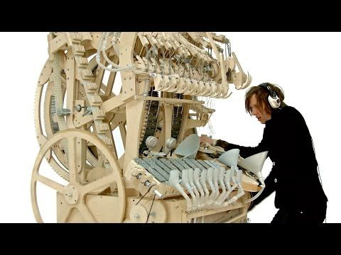 Rube Goldberg Musical Instrument That Runs on 2,000 Steel Ball-Bearings | Boing Boing