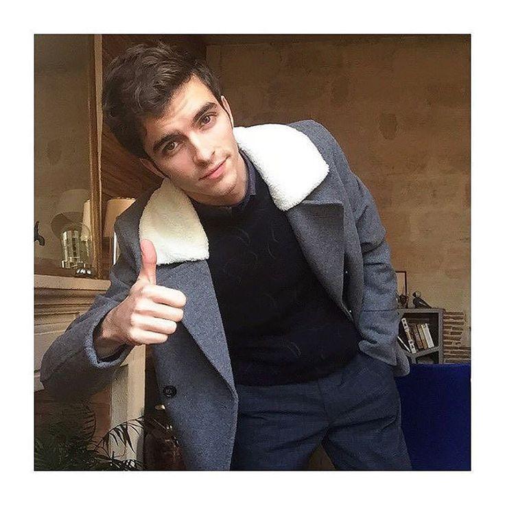 Notre Student Insider @stylnoxe a l'air content de son nouveau manteau  Code produit : 662483 by asos_fr