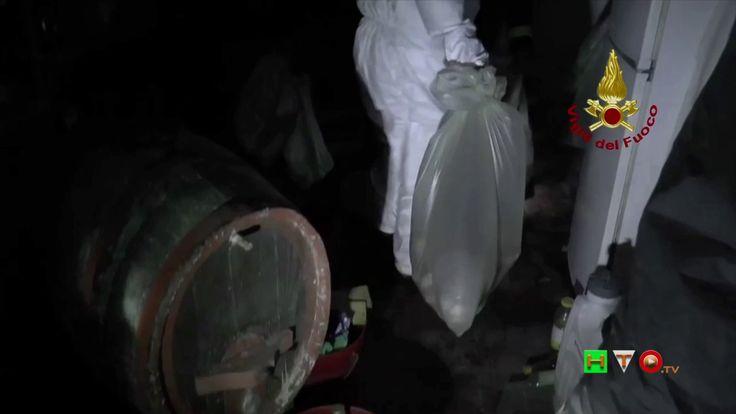 Vigili del Fuoco - Pievebovigliana - Recupero alimenti avariati in abita...