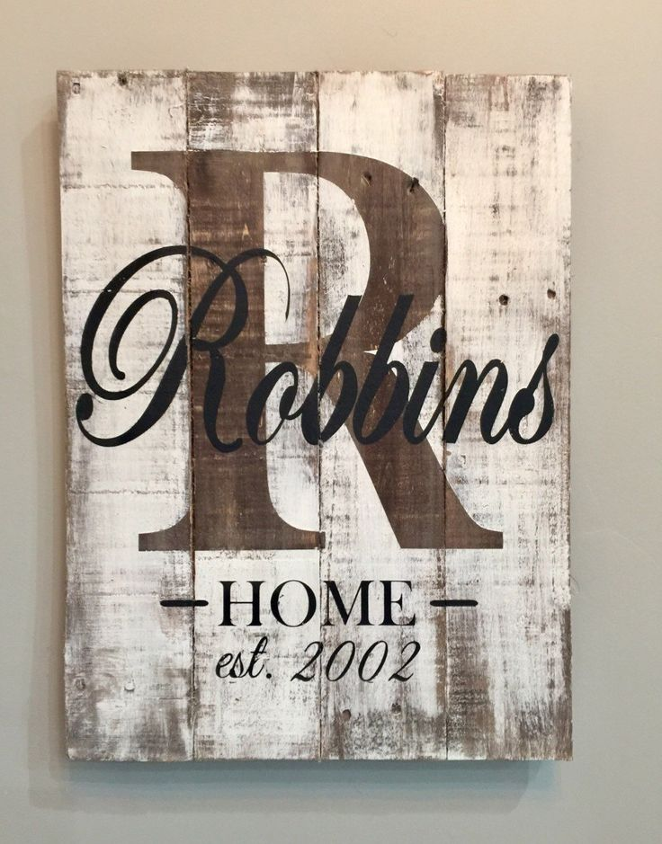 Personalized last name pallet sign. Rustic sign white washed to perfection. All signs are made from reclaimed wood to create a rustic elegance. This will be a statement piece for your home. Would make a great wedding gift. ****Your item may vary from the picture due to the wood I