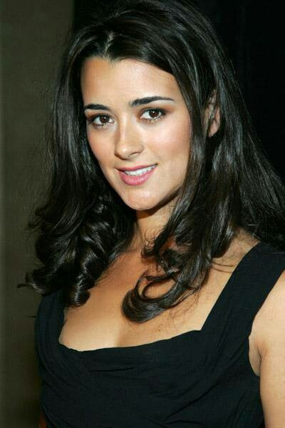 "NCIS....""Ziva David"" Chilean Beauty is Cote de Paublo.................... I don't want her to leave the showwwwwww :*("