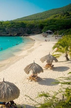 The beach is beautiful, rural and undeveloped. The best snorkeling Little Knip Beach area is on the left side of the bay.