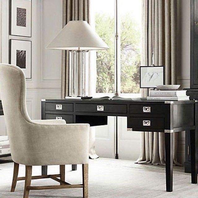 Moderne eleganse! #sixbondstreet #møbler #interiør #innredning #inspirasjon #skrivebord #lenestol #bordlampe
