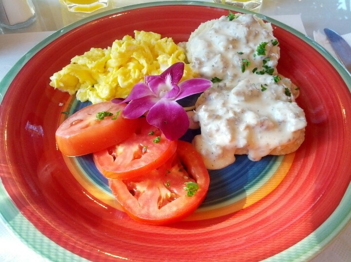 Breakfast @ Eagle Inn, Santa Barbara, CA.  Today's menu was biscuits & gravy with scrambled egg and tomato slices.