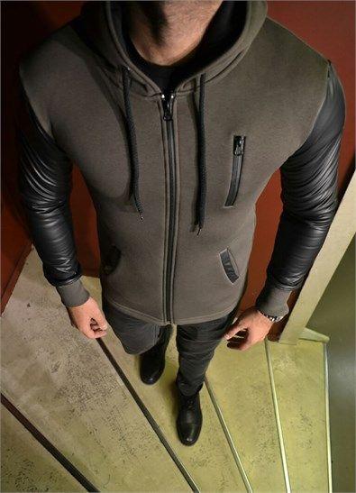 Kollari Deri Detayli Kapsonlu Erkek Sweatshirt ürününü ayrıntılı incelemek için hemen tıklayın. En şık Erkek Sweatshirt modelleri için seçim Modagen.