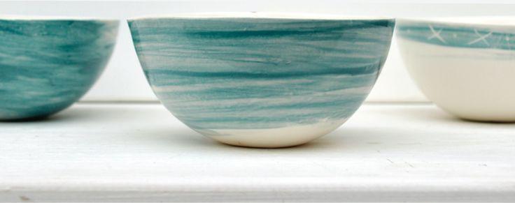 Porcelain tea cup, design by Atelier Daniela Tazze da the in porcellana Taza de té en porcelana, diseño, Made in Italy, Venice