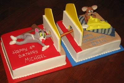 Another unique Tom and Jerry cake.