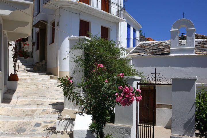Skopelos streets. www.360skopelos.com