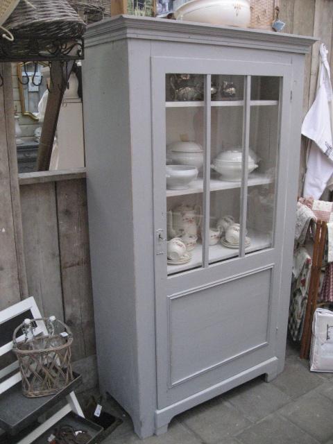 Kast, mooi oud gemaakt met painting the past verf.