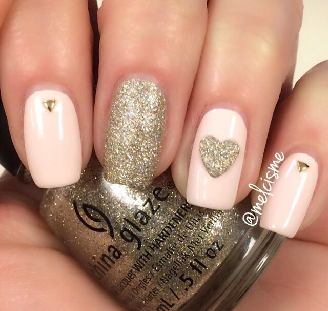 Pink & gold Valentines Day design by Instagram user melcisme